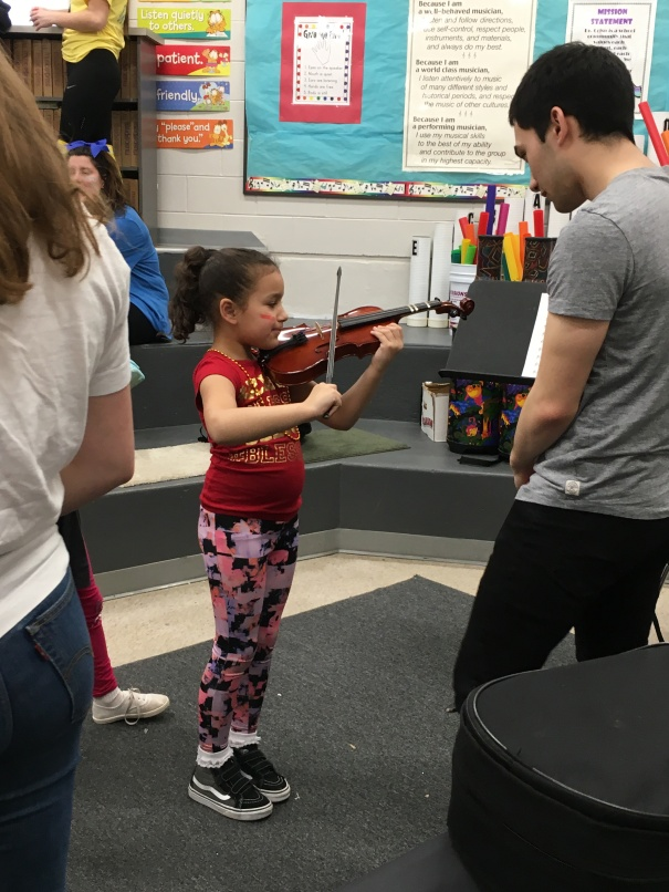 Girltryingviolin